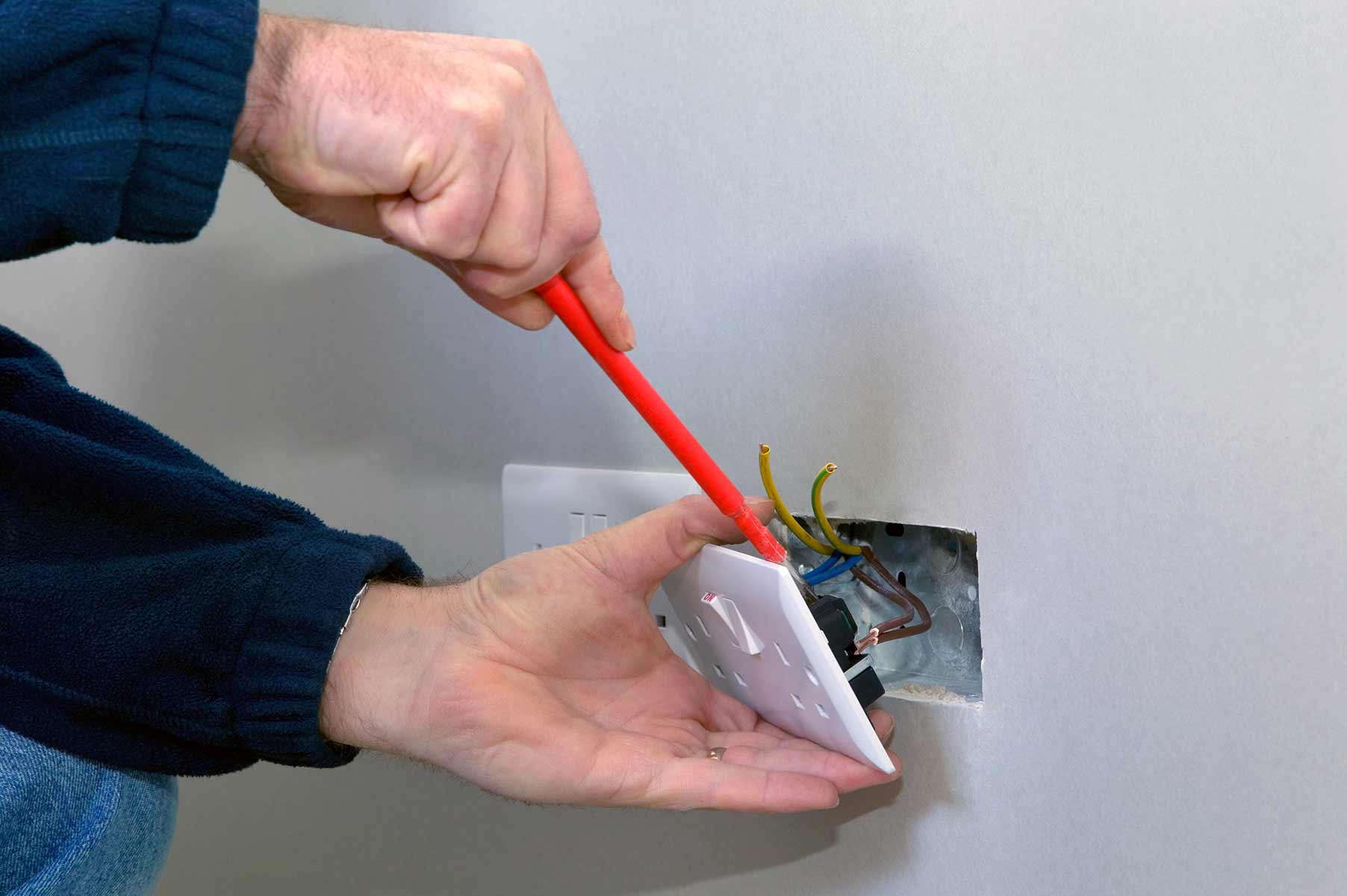 Our electricians can install plug sockets for domestic and commercial proeprties in Friern Barnet and the local area.